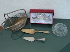 Lot of 6 kitchen collectibles