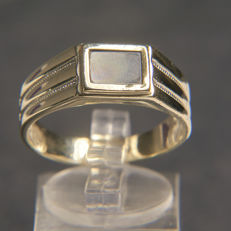 14K solitaire ring with black Onyx,  No Reserve price