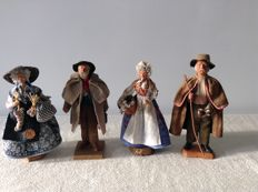4 beautiful authentic Santons - colourful Provençal figurines of clay