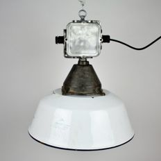 Hungarian big heavy duty enamel industrial factory light pendant with castiron galary.