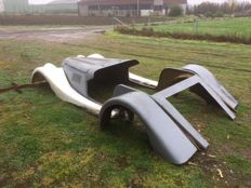 Moulds and positive model of a Morgan kit car