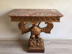Gold-plated wooden wall table with marble top and console carved in the shape of an eagle - Germany(?) - early 20th century