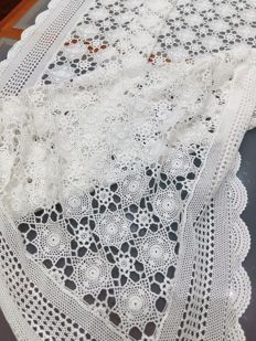 Florence Pure cotton tablecloth with antique crochet and bobbin lace technique Handmade 220 X 155 cm