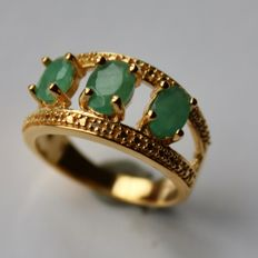 Vintage Sterling silver 925 Ring with 3 natural Emeralds approx. 1.56Ct total. Excellent state.