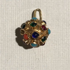 14 karat yellow gold pendant with different gemstones