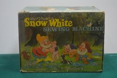 """Snow Whithe Sewing Machine"", original sewing machine from the 1940s"