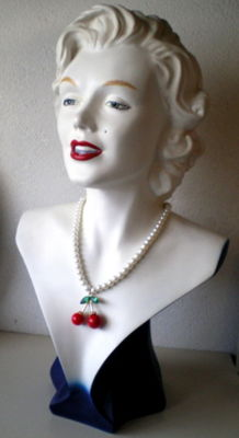 Nice and big,,, Marilyn Monroe bust 53 cm tall - Circa 1980