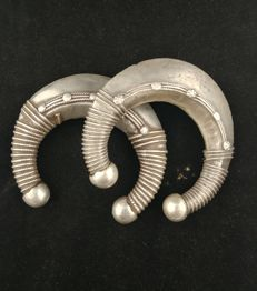 Pair of antique bracelets made of silver - Gujarat (India), early 20th century