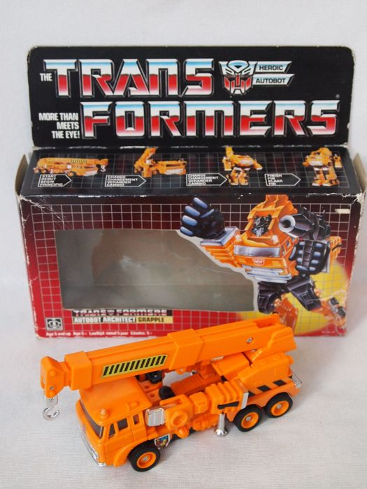 1980s Hasbro Transformers G1 - Autobot - Grapple