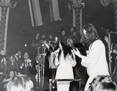 Unknown/Svenskt - John Lennon and Yoko Ono, Lyceum Ballroom, London, 1969