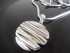 925 silver necklace with designer  pendant