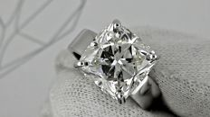 8.07 ct SI1 cushion diamond ring made of 18 kt white gold - size 7