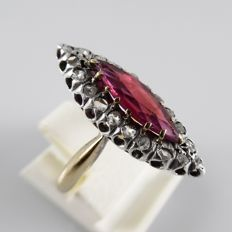 Antique 18 kt gold ring with raspberry garnet and rose diamonds - ring size: 16.5 mm (52)