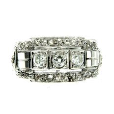 Art Deco 18 K white gold and Diamond set gold ring with approx. 1 carat in total