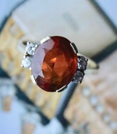 14kt. gold antique ring approx. 2.93 ct. natural facetted mandarin Citrien and 4 brilliant cut diamants H/VVS.