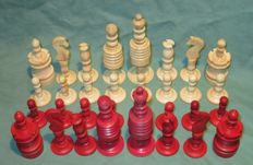 Barleycorn chess set of bone