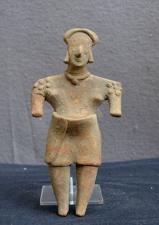 Pre Colombian earthenware sculpture / idol depicting a pregnant woman