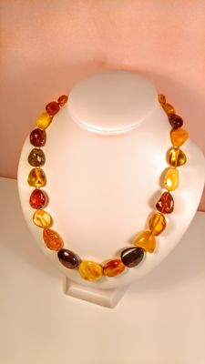 Beautiful colours 100% Genuine Baltic amber necklace, length 50 cm, 38 grams