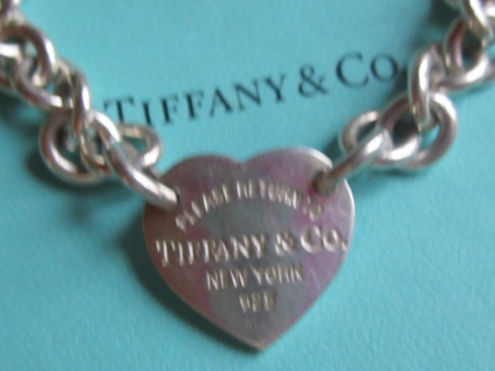 22f3df3bdbc Please return to TIFFANY   CO New York 925 bracelet in 925 silver - A 2 cm  tall x 2 cm wide heart in the centre - Hallmarked - 19 cm - 26.88 g
