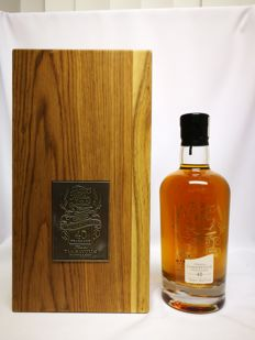 "40 years old Tamnavulin ""Director's Special"" by ""The Single Malts of Scotland"" in ""wooden case"" 40.6% abv"