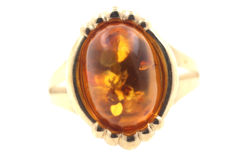 Antique 333 gold ring with amber