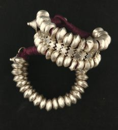 Pair of antique silver bracelets - North India, second half of the 20th Century