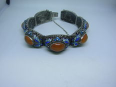 Very old Chinese bracelet with carnelians and enamelled elements, beginning of the 20th century