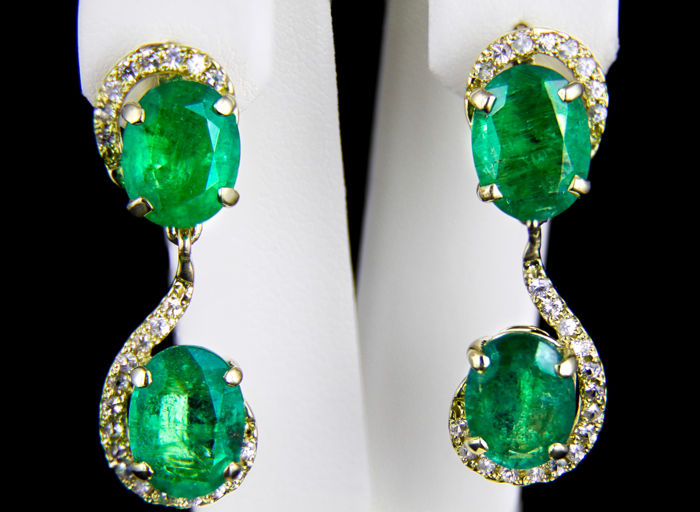 IGI Certified 9.16 ct. Emeralds And Sapphires Gold Earrings. *Low reserve* *Free shipping*