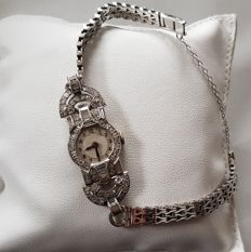 Deco watch in 18 kt white gold with diamonds