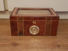 Exclusive inlaid walnut humidor