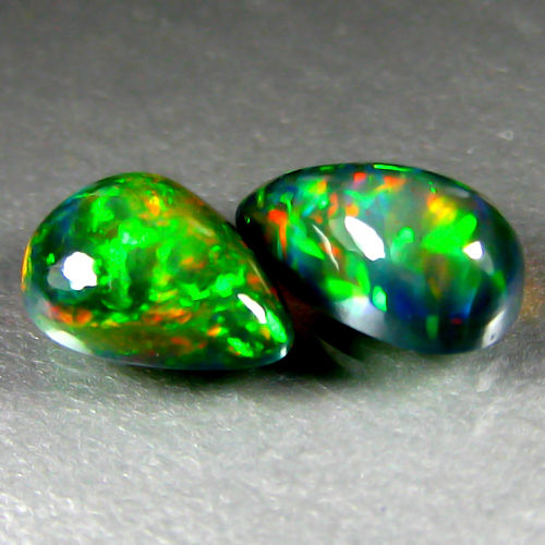 Set of Black opal  -9.4 x 5.4 x 4 mm , 8.6 x 6.7 x 3.4 mm - 1.84 ct ( 2)