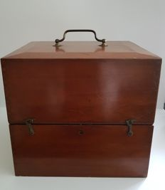 Laboratory box - mahogany - late 19th century