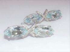 Kesia: earrings in 18 kt white gold with natural diamonds totalling approx. 0.28 ct and aquamarine