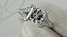 2.29 ct E/VS2  princess diamond ring made of 18 kt white gold - size 6
