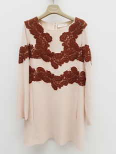 Seam dress Chloé with embroidery.