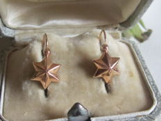 Antique sleeper earrings in 18 kt yellow gold with star motif from the Napoleon III period - Weight 0.78 grams - 2 hallmarks including eagle's head