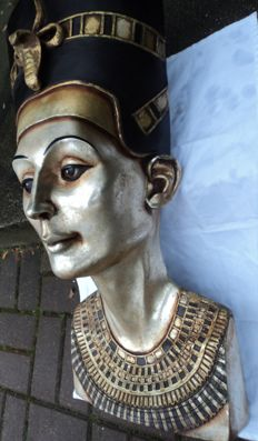 Nefertiti, the Egyptian woman, large wall sculpture, size approx. 74 cm x 33 cm