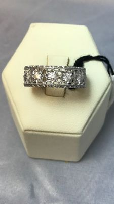 Michelangelo Gold: Florentine style 18 kt white gold ring with 0.27 ct diamonds