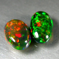 Set of Black opal  - 10.4 x 5.7 x 3 mm , 9.3 x 6.1 x 3 mm - 1.82 ct ( 2)