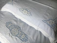 Antique high-quality pure linen bed sheet, handmade with Burano lace