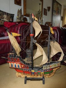 Santa Maria model ship construction.