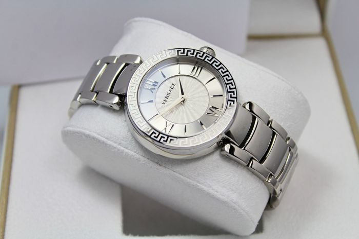 6dd42fa7dbf Versace - Ladies - Swiss Made - Luxury - Watch - New   Mint Condition