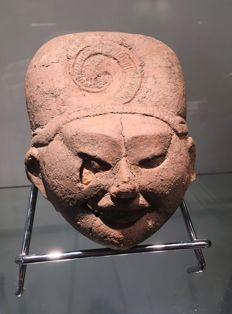 Very beautiful large terracotta head - Totonac - 150 x 110 mm