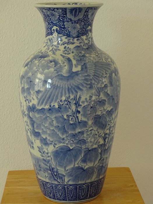 A very large and rare vase (76 cm) - Japan - ca. 1900
