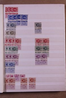 Belgium 1927/1940 - Batch which includes advertisement stamps, in two stock books and a Davo crystal preprint album