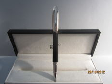 "Precious Montblanc ""Starwalker"" douè guilloche fineliner - platinum trims. In excellent condition"