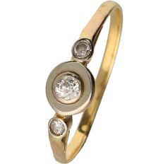 18 kt Yellow gold ring set with diamonds of approx. 0.12 ct in total - ring size: 19 mm