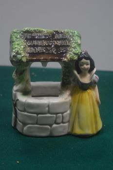 Original ceramic money box depicting Snow White - 1950s