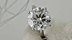 5.93 ct  E/SI1 round diamond ring made of 18 kt white gold - size 7