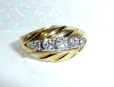 Ring 14 kt / 585 gold with 4 brilliant cut diamonds totalling 0.30 ct ring size 54-55 / 17.2-17.5 mm